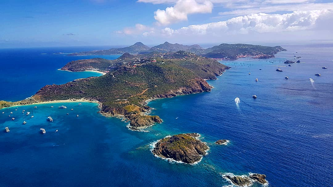 SAINT BARTH BY HELICOPTER
